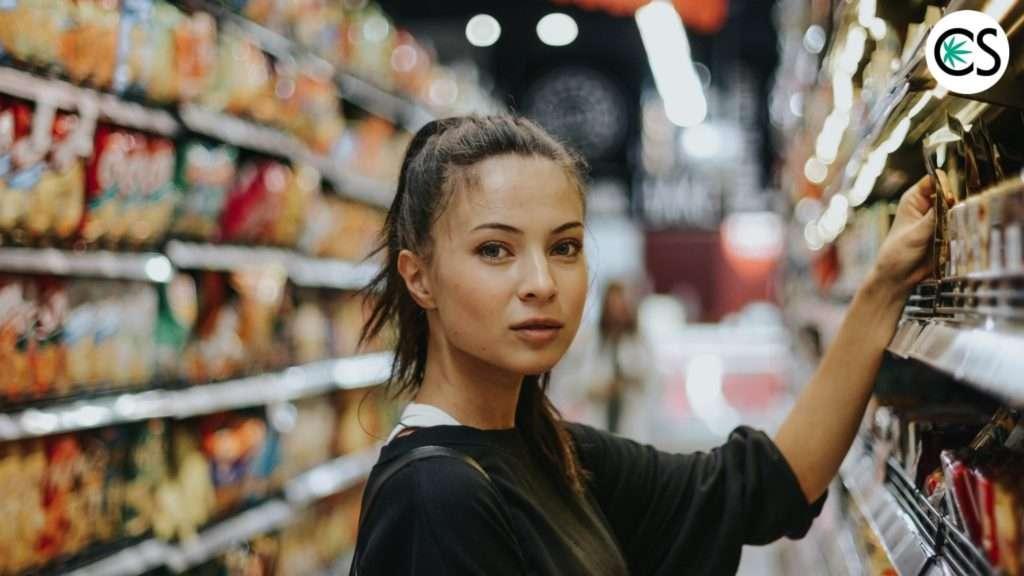 woman-shopping-store